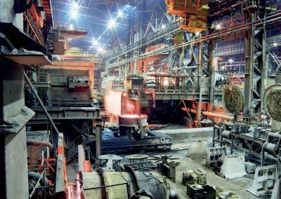 Luce brillante e illuminamento ottimale negli ambienti di lavorazione della fonderia